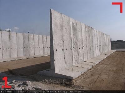 mur oporowy grodziowy z betonowych elementów oporowych